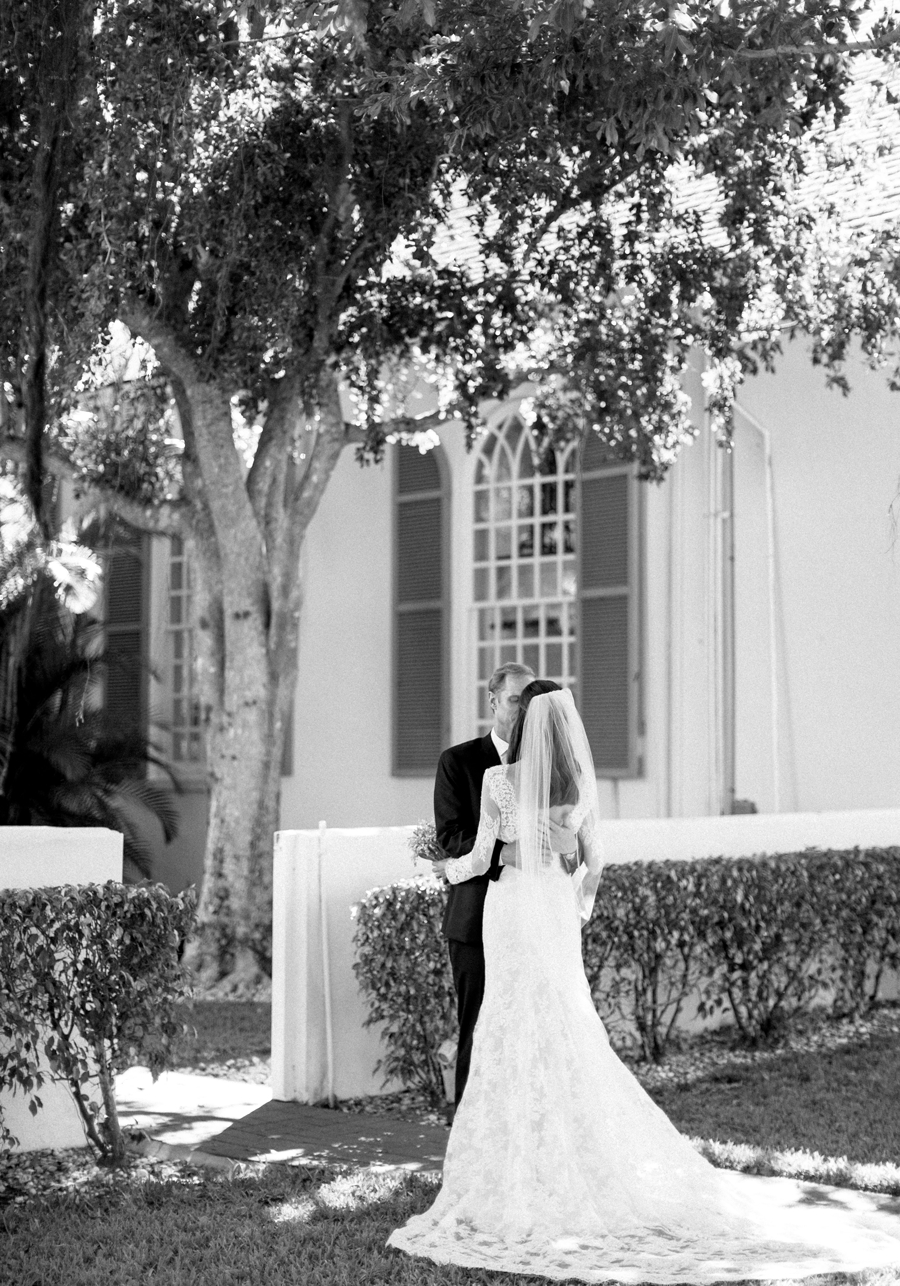 Port-Royal-Club-Wedding Photographer-Naples-FL-Destination-Wedding-Hunter-Ryan-Photo-HandJ_0282.jpg