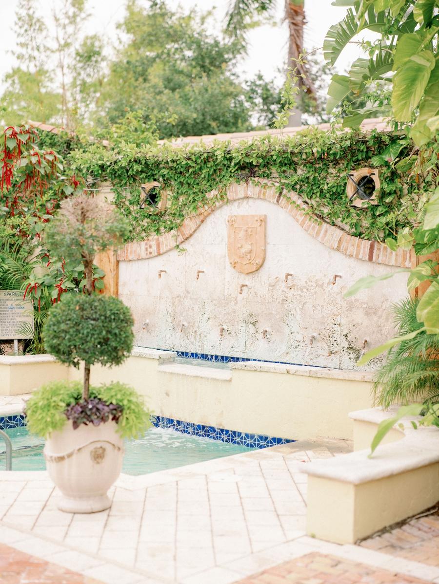 Escalante-Hotel-Wedding Photographer-Naples-FL-Destination-Wedding-Hunter-Ryan-Photo-SandJ_0405.jpg