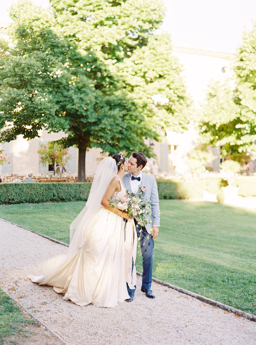 Chateau-Grimaldi-provence-france-destination-wedding-hunter-ryan-photo-sanda_0573.jpg