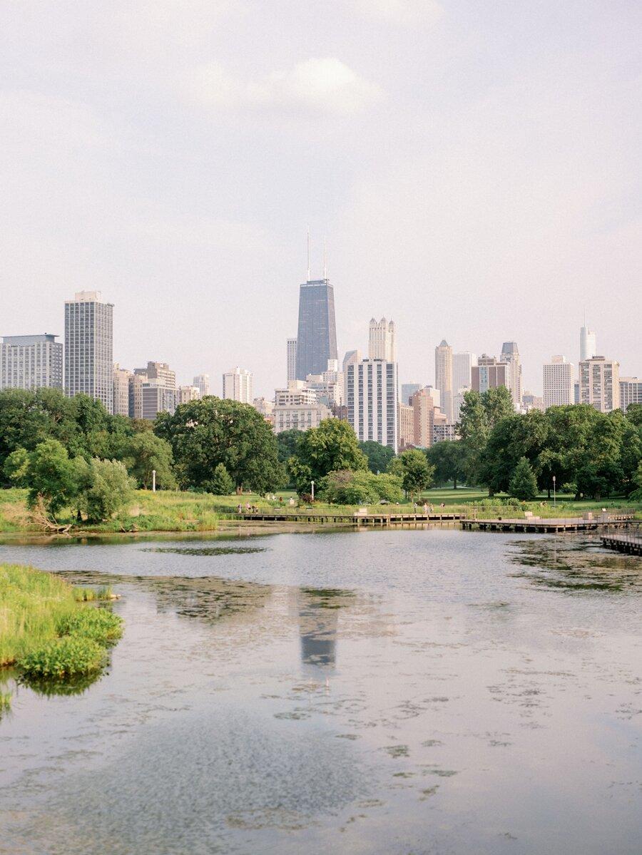 lincoln-park-engagement-chicago-wedding-photographer-hunter-ryan-photo-jc_0722.jpg