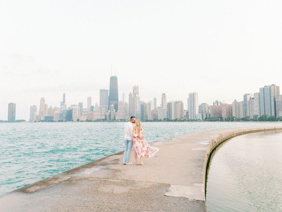 lincoln-park-engagement-chicago-wedding-photographer-hunter-ryan-photo-jc_0738.jpg