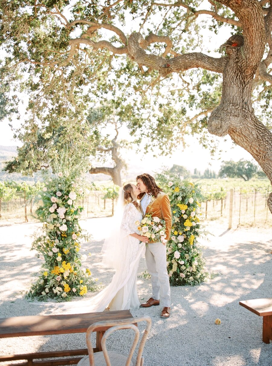 sunstone-winery-wedding-santa-ynez-wedding-photographer-hunter-ryan-photo-italian-villa_0910.jpg