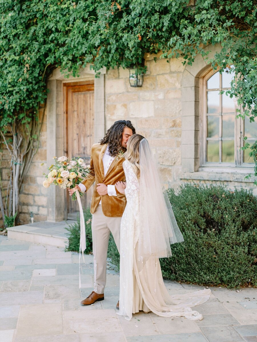 sunstone-winery-wedding-santa-ynez-wedding-photographer-hunter-ryan-photo-italian-villa_0922.jpg
