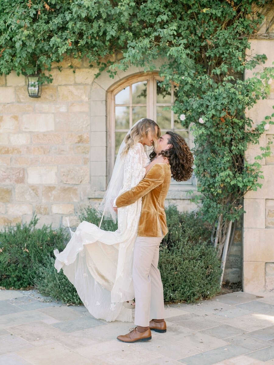 sunstone-winery-wedding-santa-ynez-wedding-photographer-hunter-ryan-photo-italian-villa_0923.jpg
