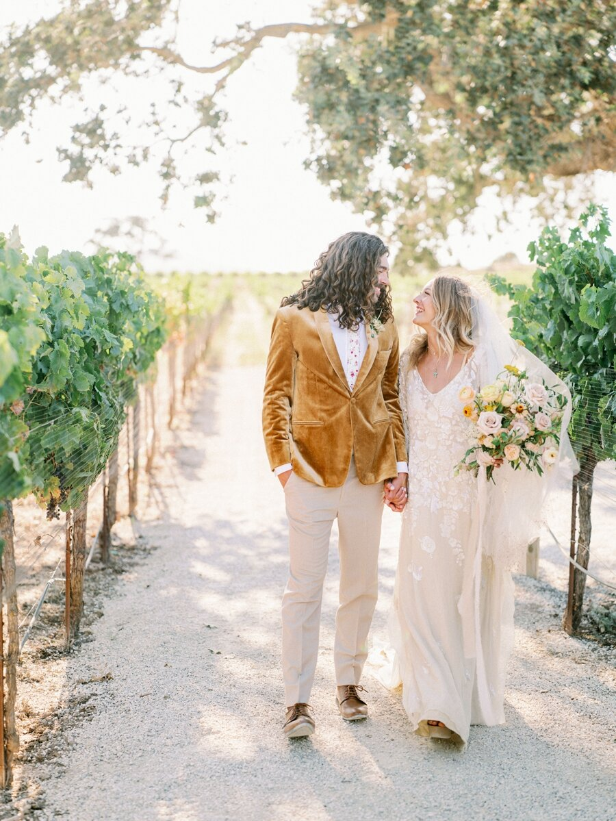 sunstone-winery-wedding-santa-ynez-wedding-photographer-hunter-ryan-photo-italian-villa_0931.jpg