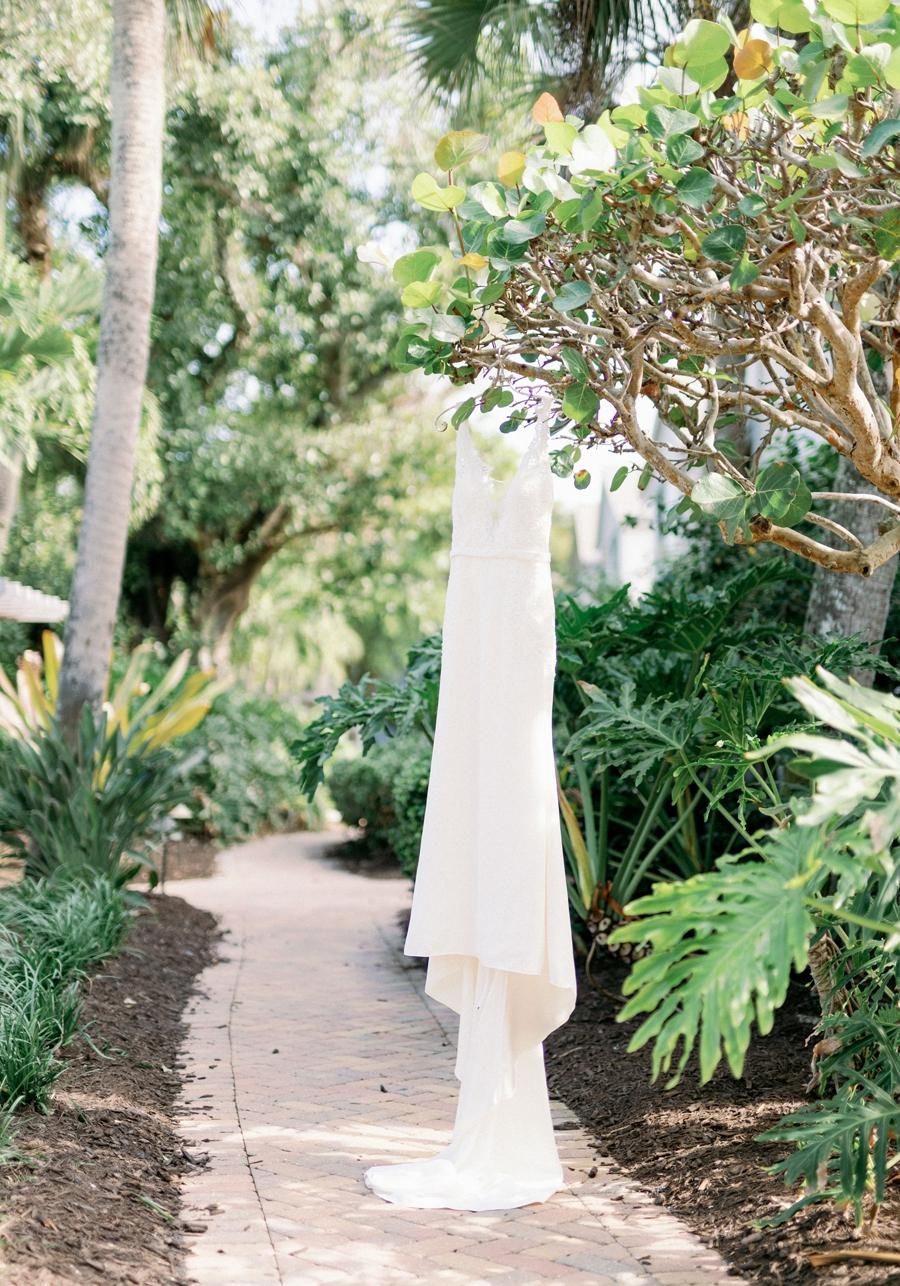 casa-ybel-beach-resort-wedding-sanibel-florida-wedding-photographer-hunter-ryan-photo_1100.jpg