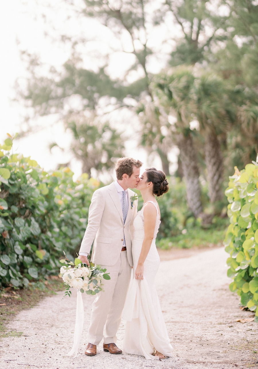 casa-ybel-beach-resort-wedding-sanibel-florida-wedding-photographer-hunter-ryan-photo_1118.jpg