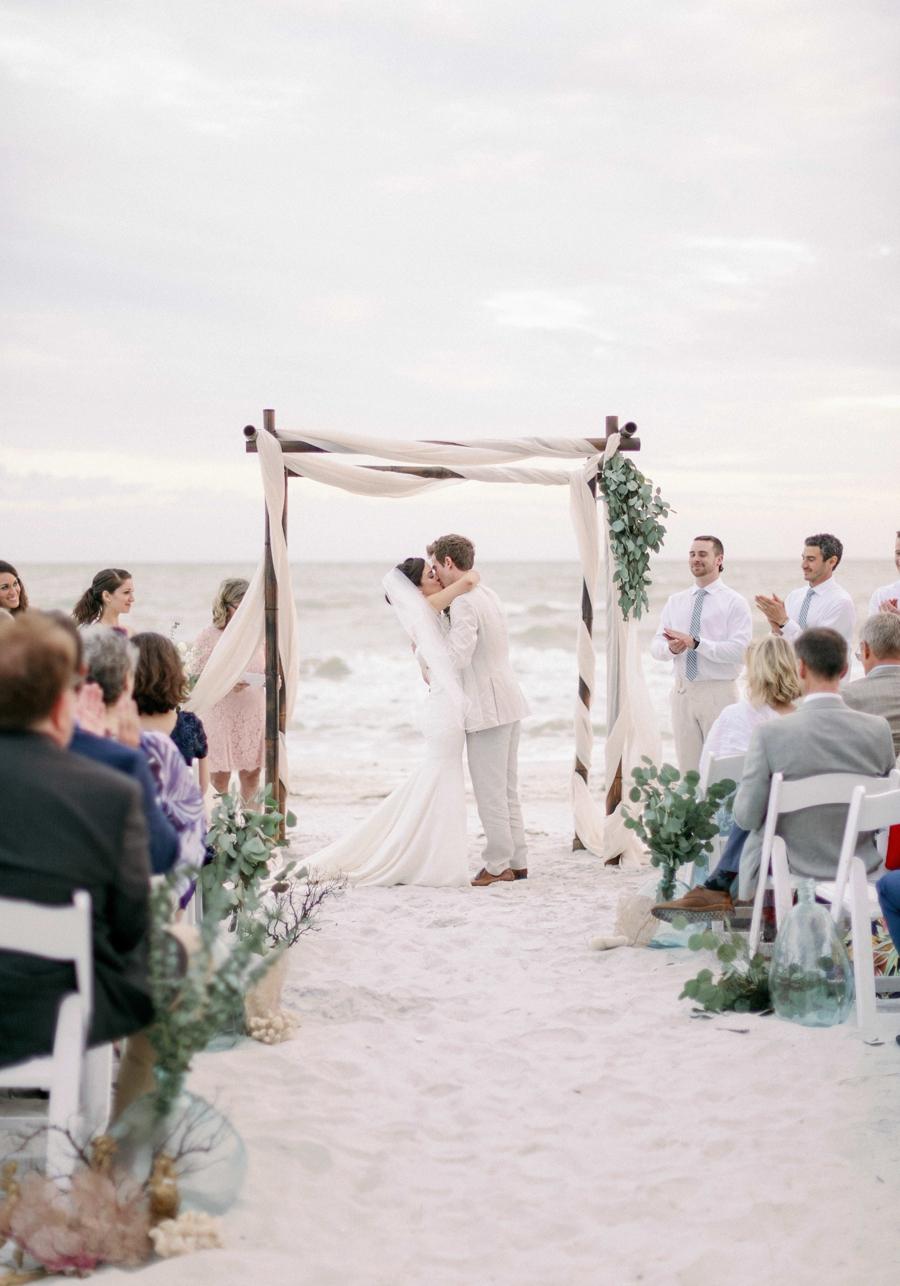 casa-ybel-beach-resort-wedding-sanibel-florida-wedding-photographer-hunter-ryan-photo_1124.jpg