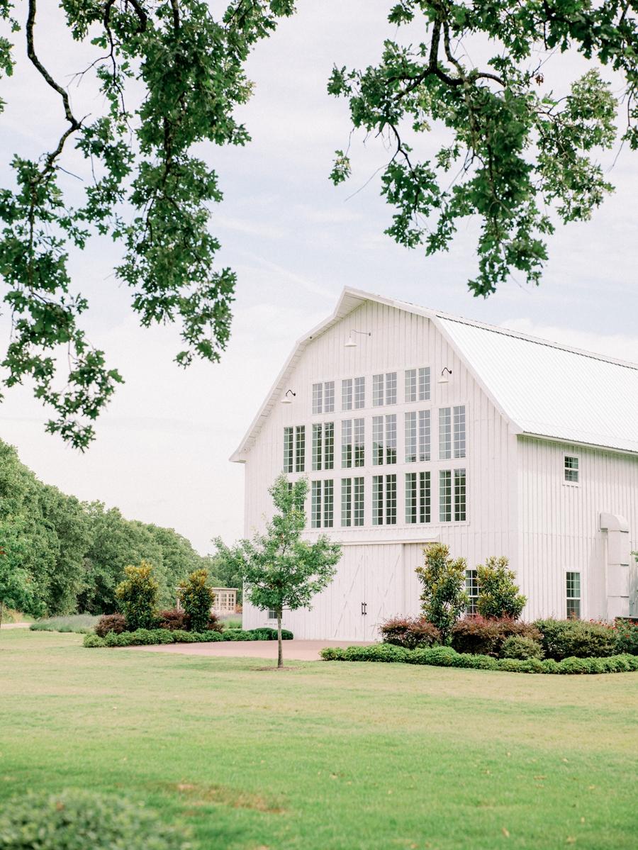 white-sparrow-barn-wedding-dallas-texas-wedding-photographer-hunter-ryan-photo_1437.jpg