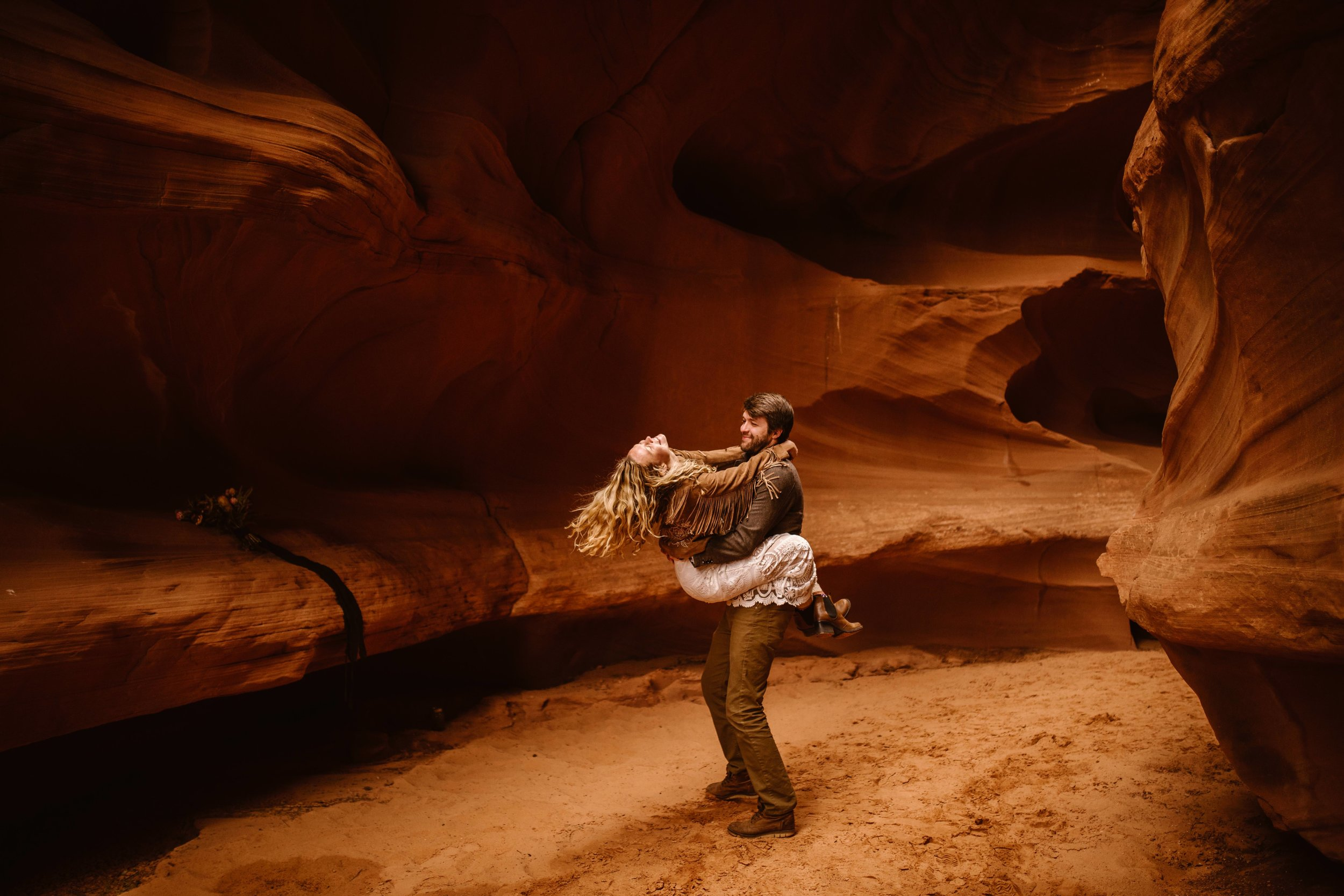 slot-canyon-wedding