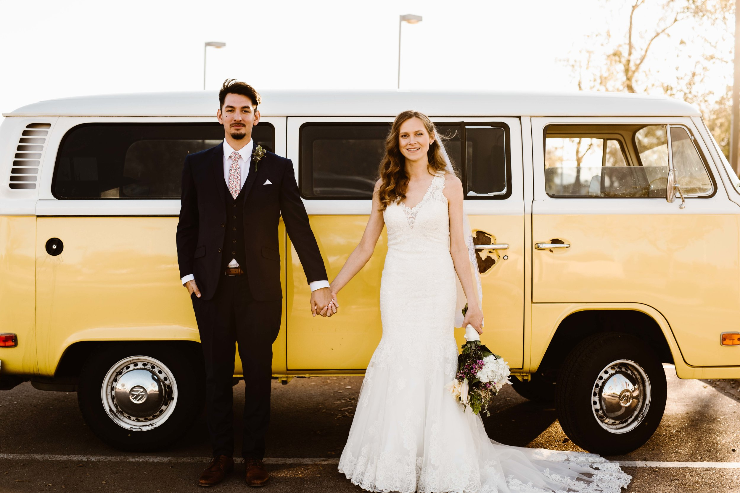 bride-and-groom-vw-bus