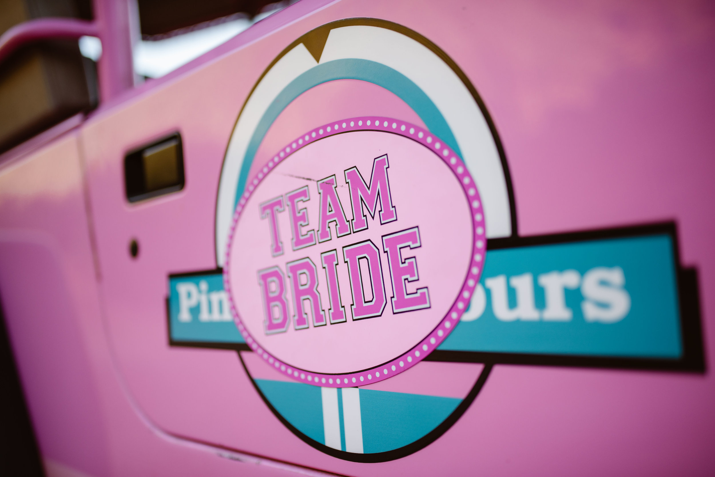 pink-jeep-tours-wedding