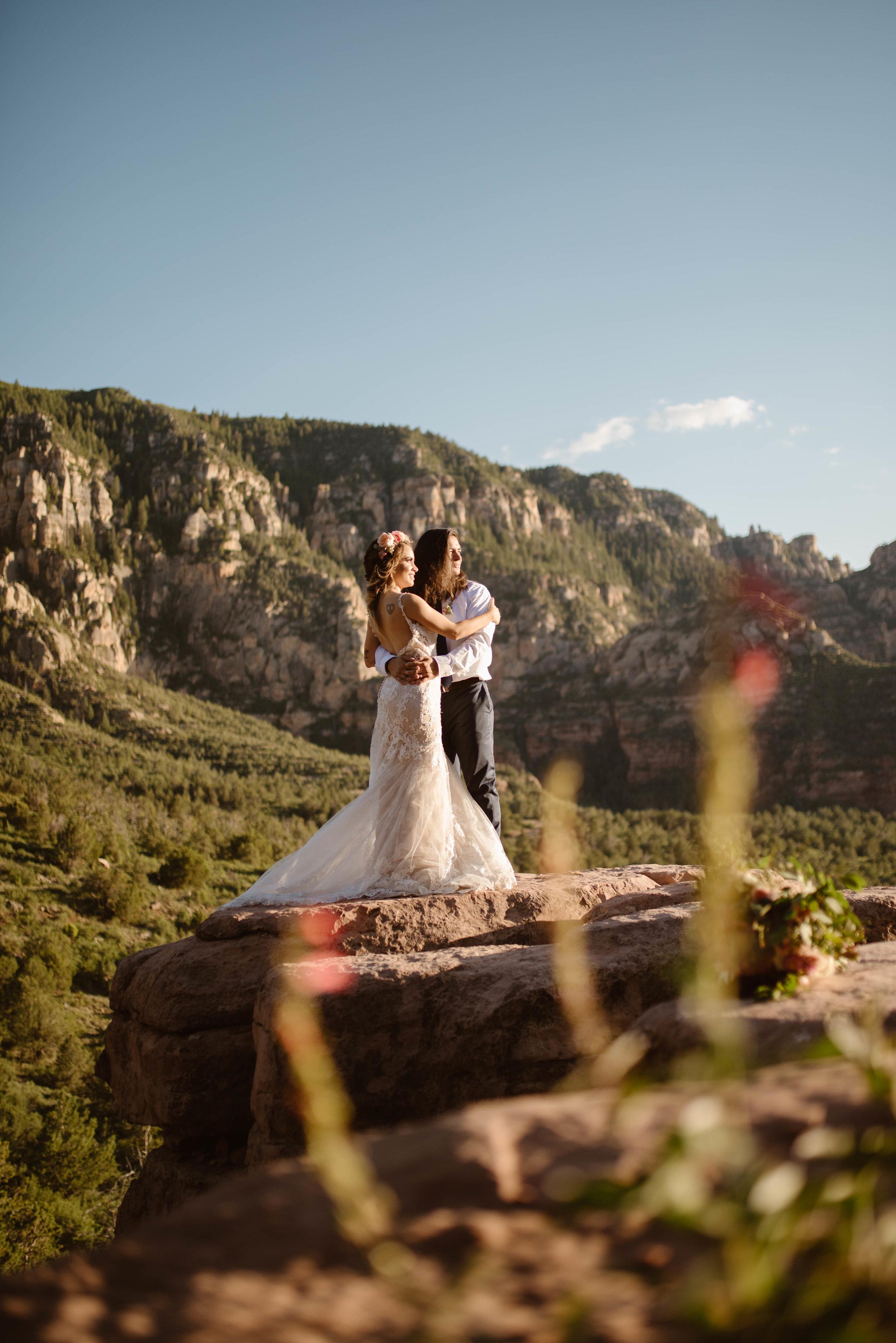 hiking-elopement-photographer-arizona