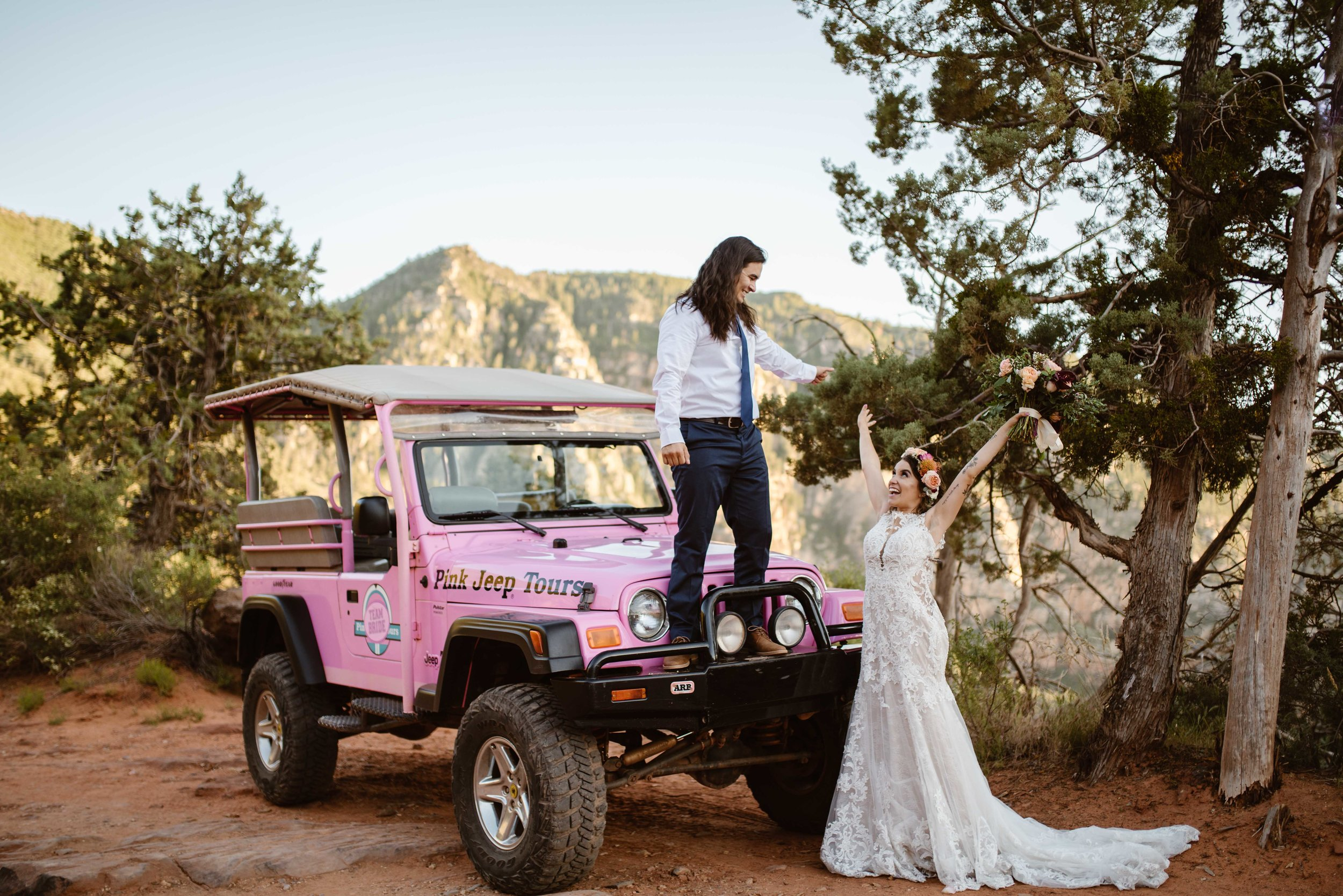 pink-jeep-tours-weddings