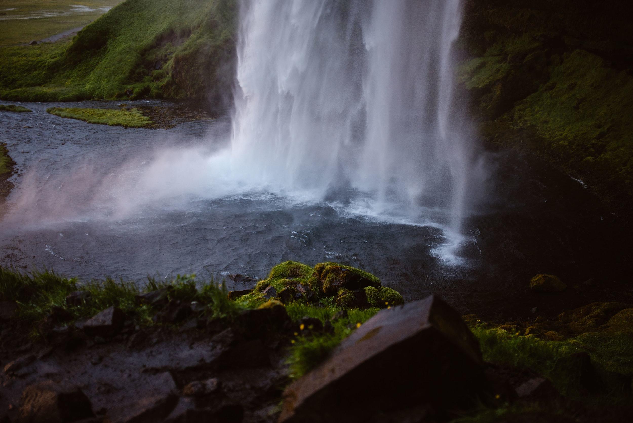 Seljalandsfoss-elopement