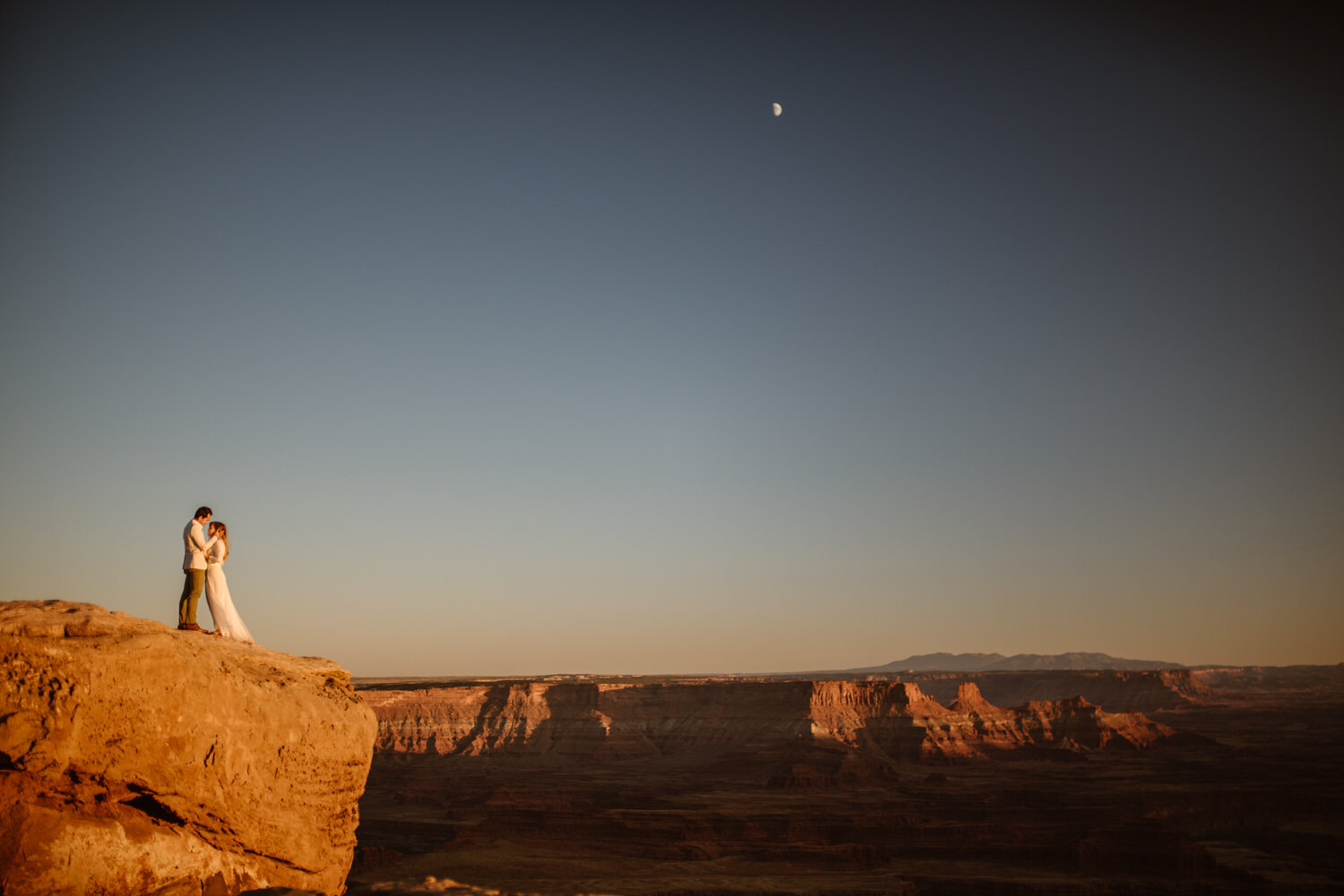where-to-elope-in-moab
