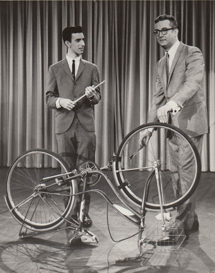 YOUNG FRANK ZAPPA PLAYS A BICYCLE (video)