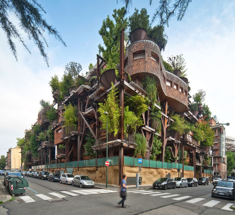 VERTICLE TREEHOUSE (photo essay)