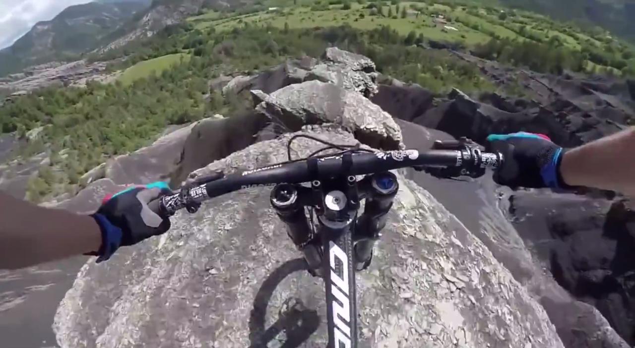 CRAZY MOUNTAIN BIKE RIDE (video)