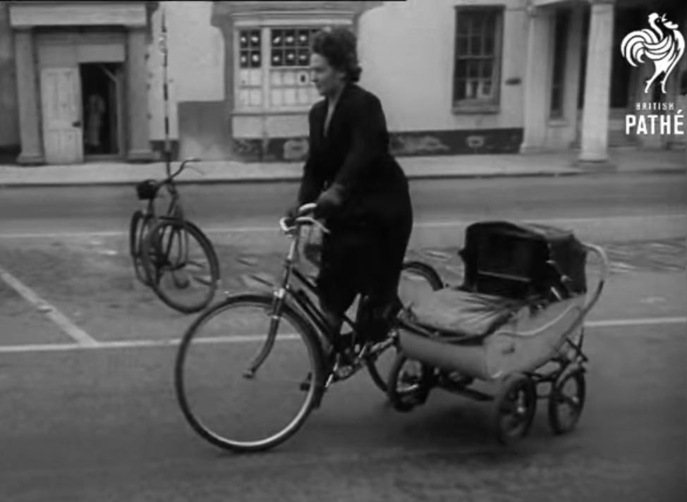 PRAM CAR - 1951 (video)