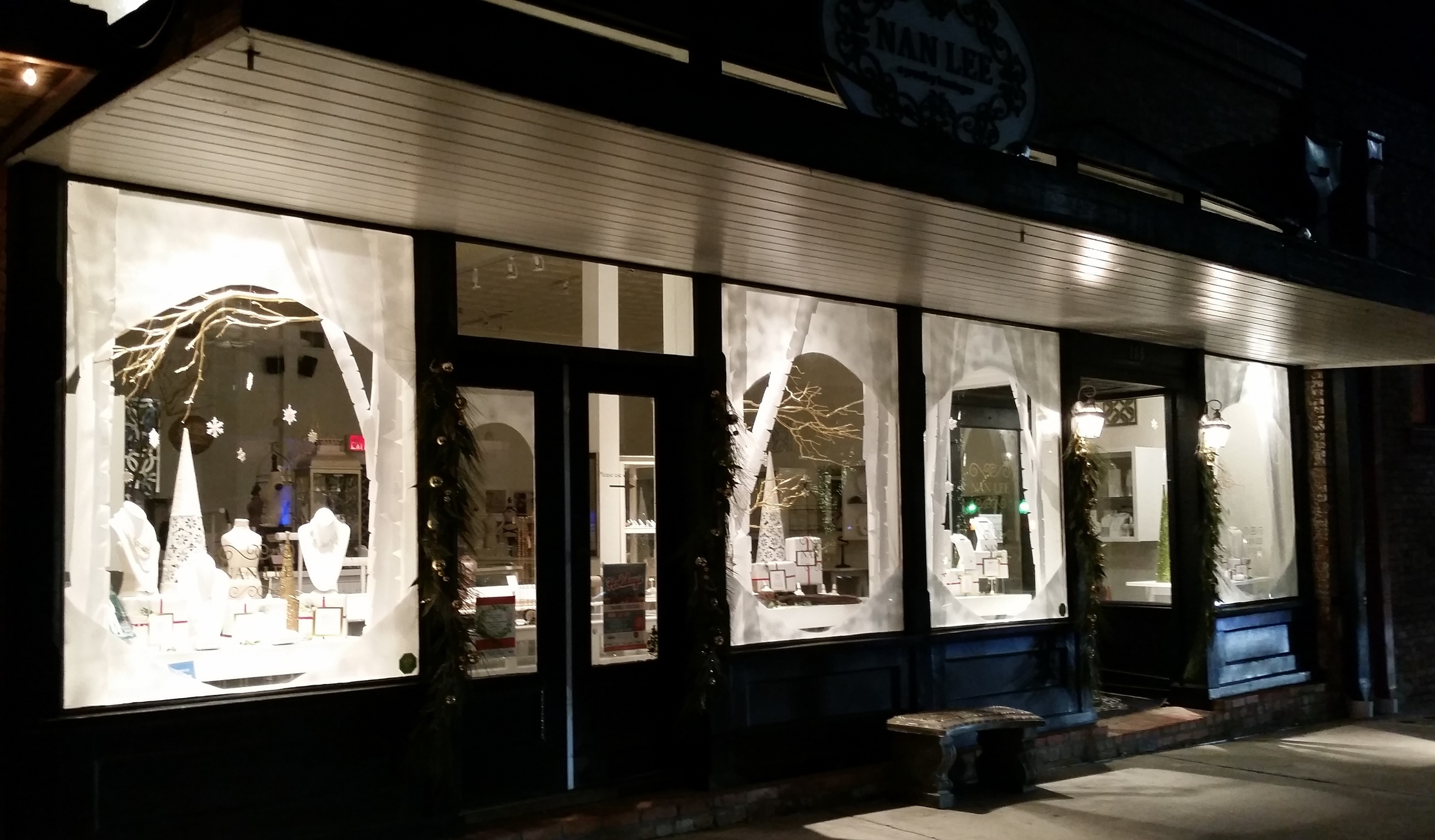 Holiday Windows at Nan Lee Jewelry 2015