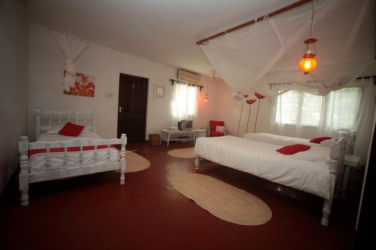 Rear triple bedroom.jpg