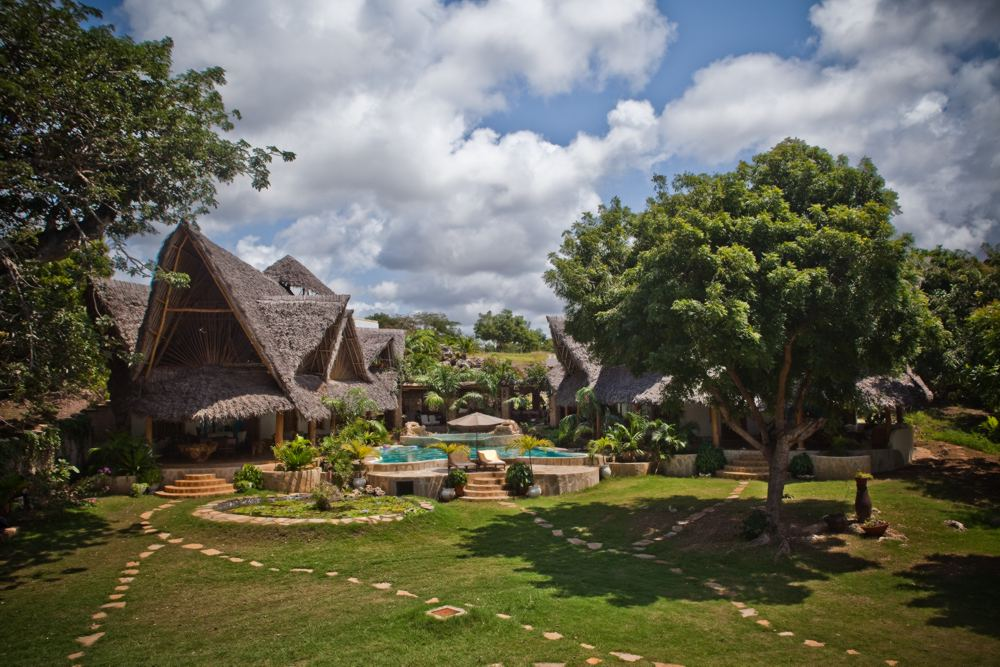 Tiwi Villa - Tiwi BeachSleeps 10 adults + 2 kidsKES 35,000 to 40,000 per day