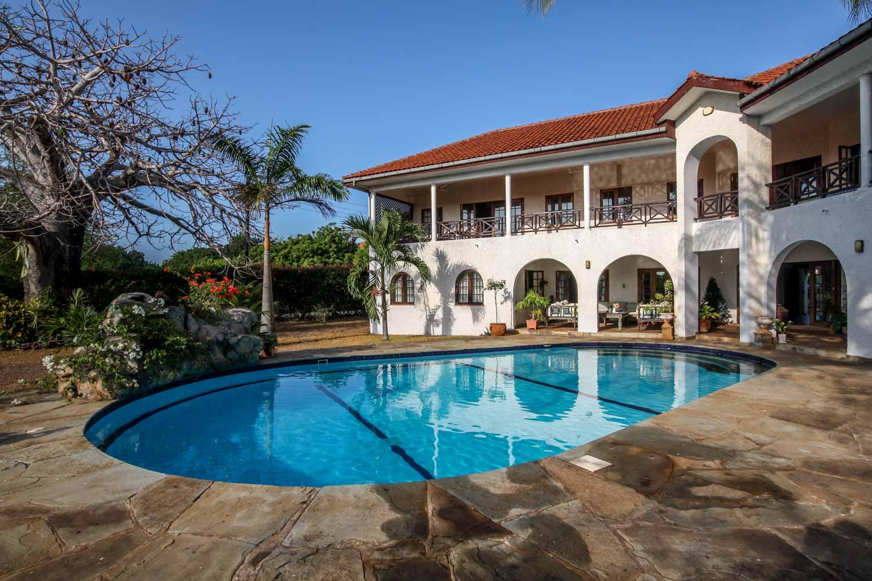 Bofa House - Bofa Road - 2.56 Acres - 3 Bedrooms en-suite - Asking 85M