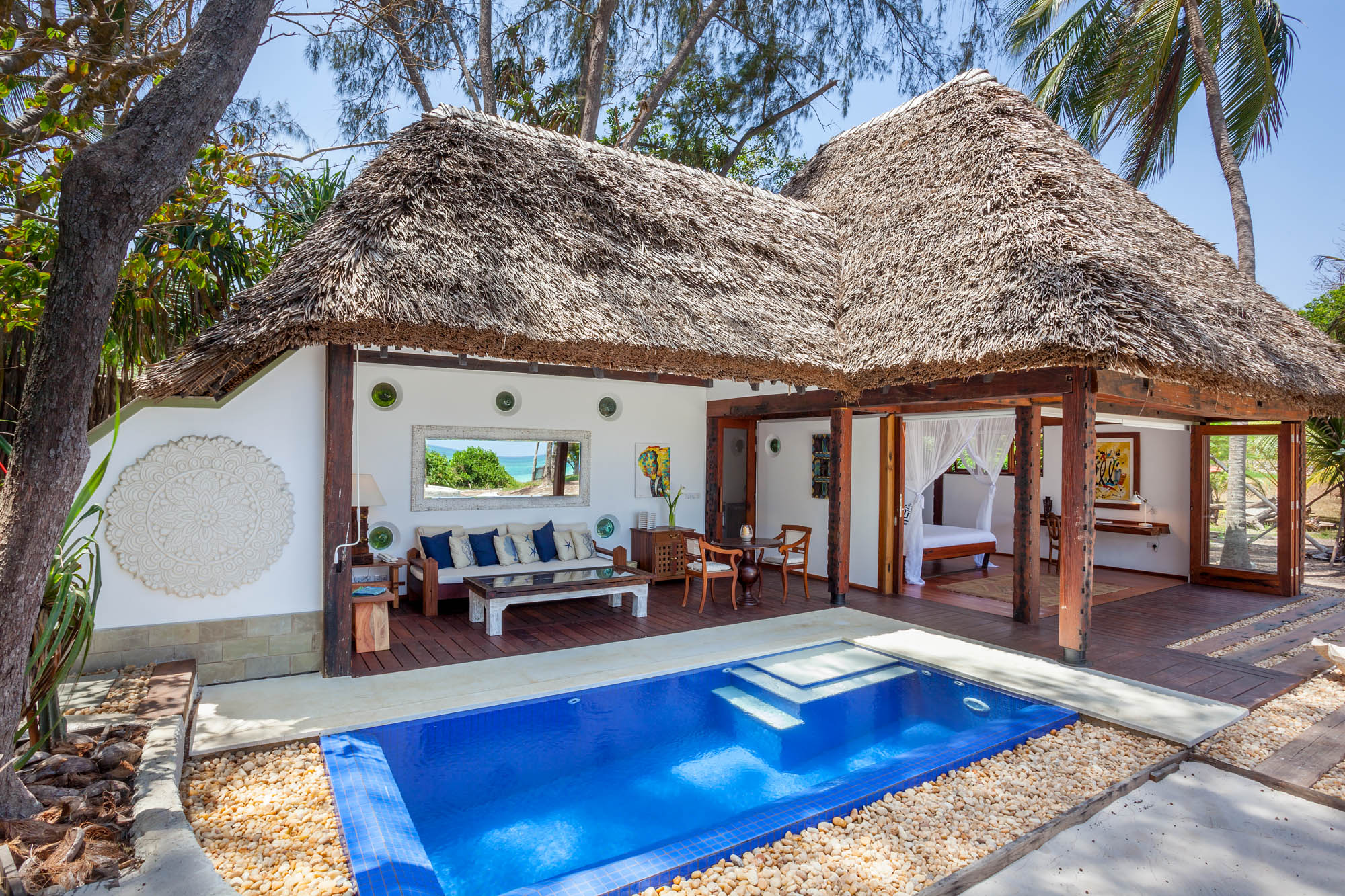 Azhari - diani beachsleeps 2from kes 35,000 per day*air-conditioned*