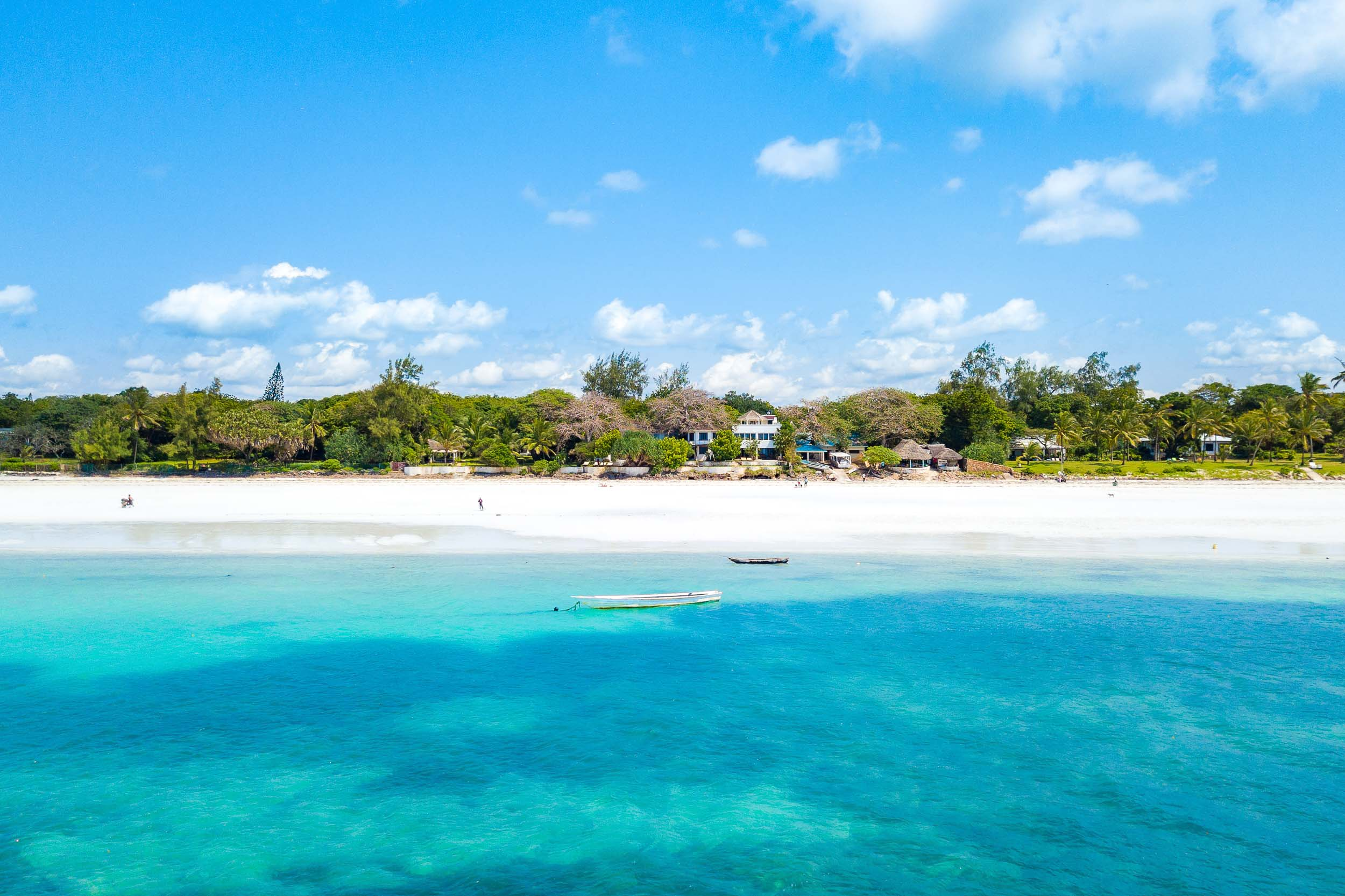 Tequila Sunrise - Diani Beach (Galu)Sleeps 6 Adults + 2 kidsKES 45,000 per day