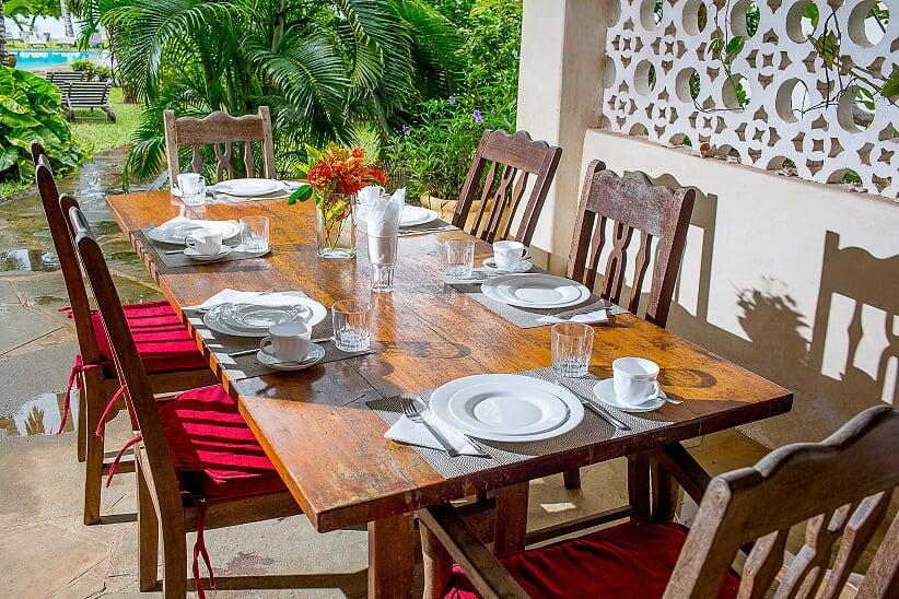 grnd fl dining table (634 of 138).jpg