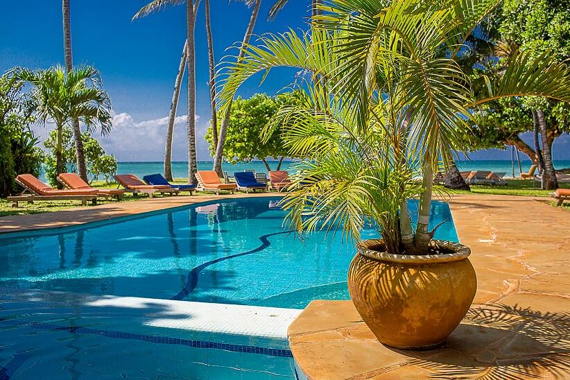 Tamani pool by the beach.jpg
