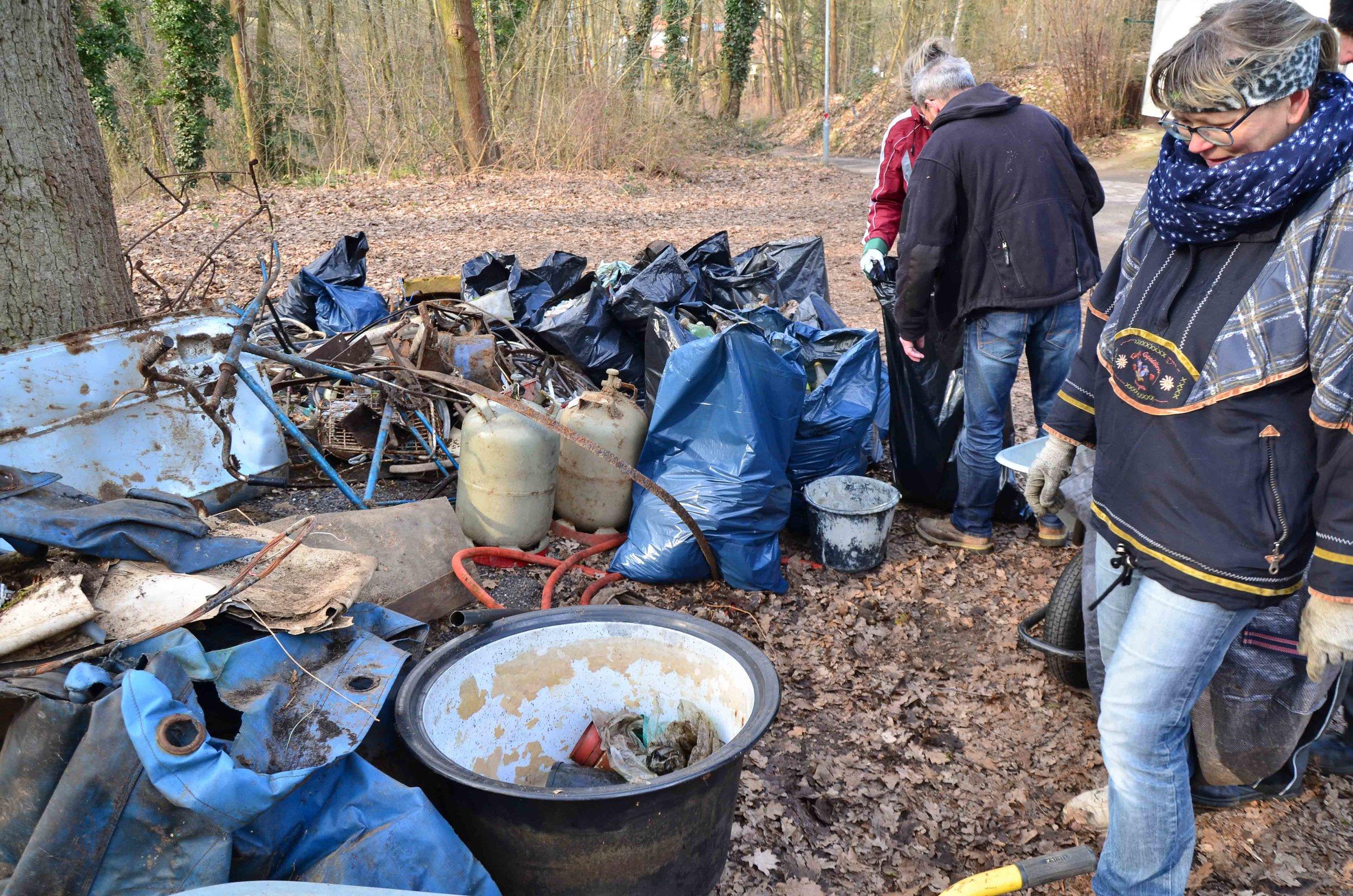 Waldputz-Aktion_verSchöneRmannberge-31.jpg