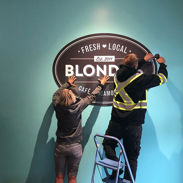 Just getting things straightened out 🙌🏻 . .  Have you seen our freshly painted blondies blue wall 💁🏼‍♀️. It doubles as a backdrop for all those grammable moments at Blondies. If you want to get featured on the blondies feed be sure to tag us @blondies_cafe in your posts 💛 #haveablondemoment ⏰ open from 7- 5 daily