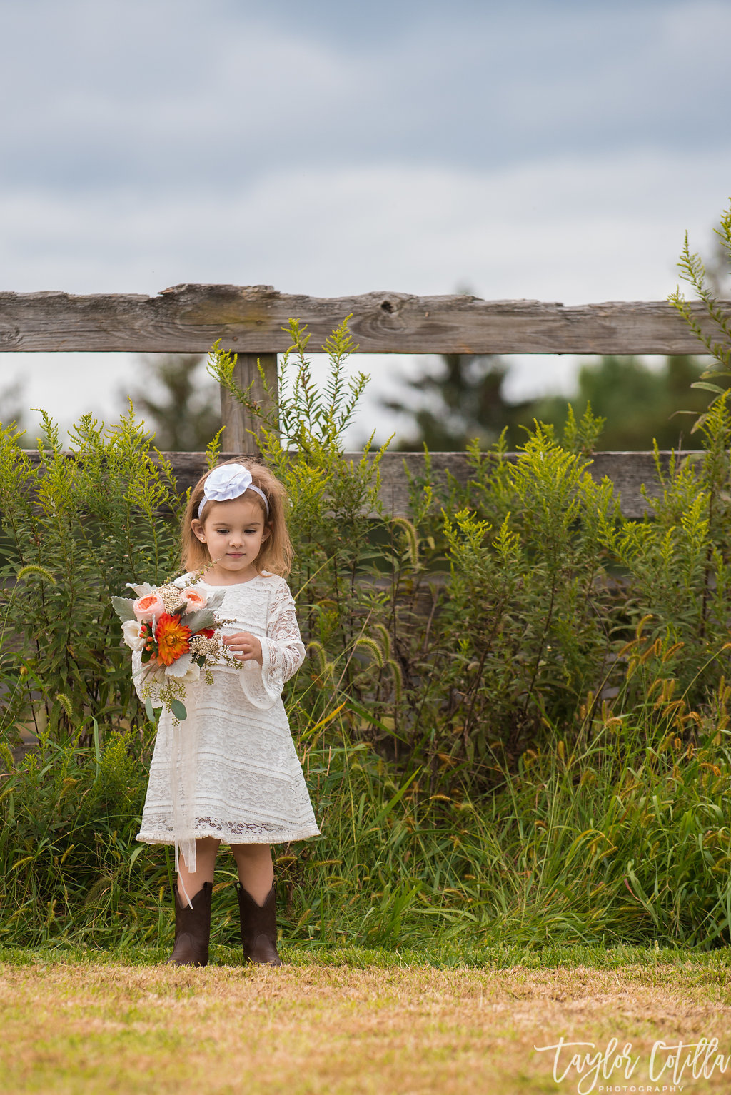 bucks-county-wedding-flower-girl