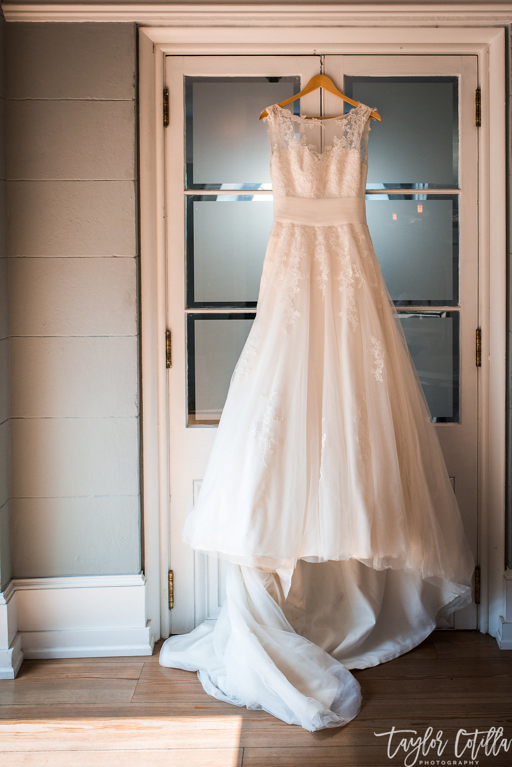 Waterworks-Wedding-Philadelphia-Lace-Wedding-Gown