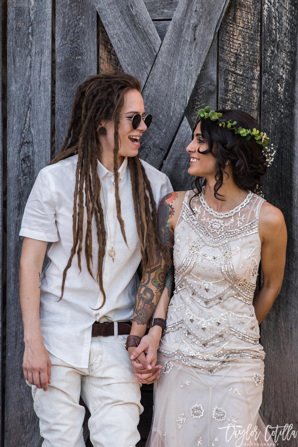 barn-wood-wedding