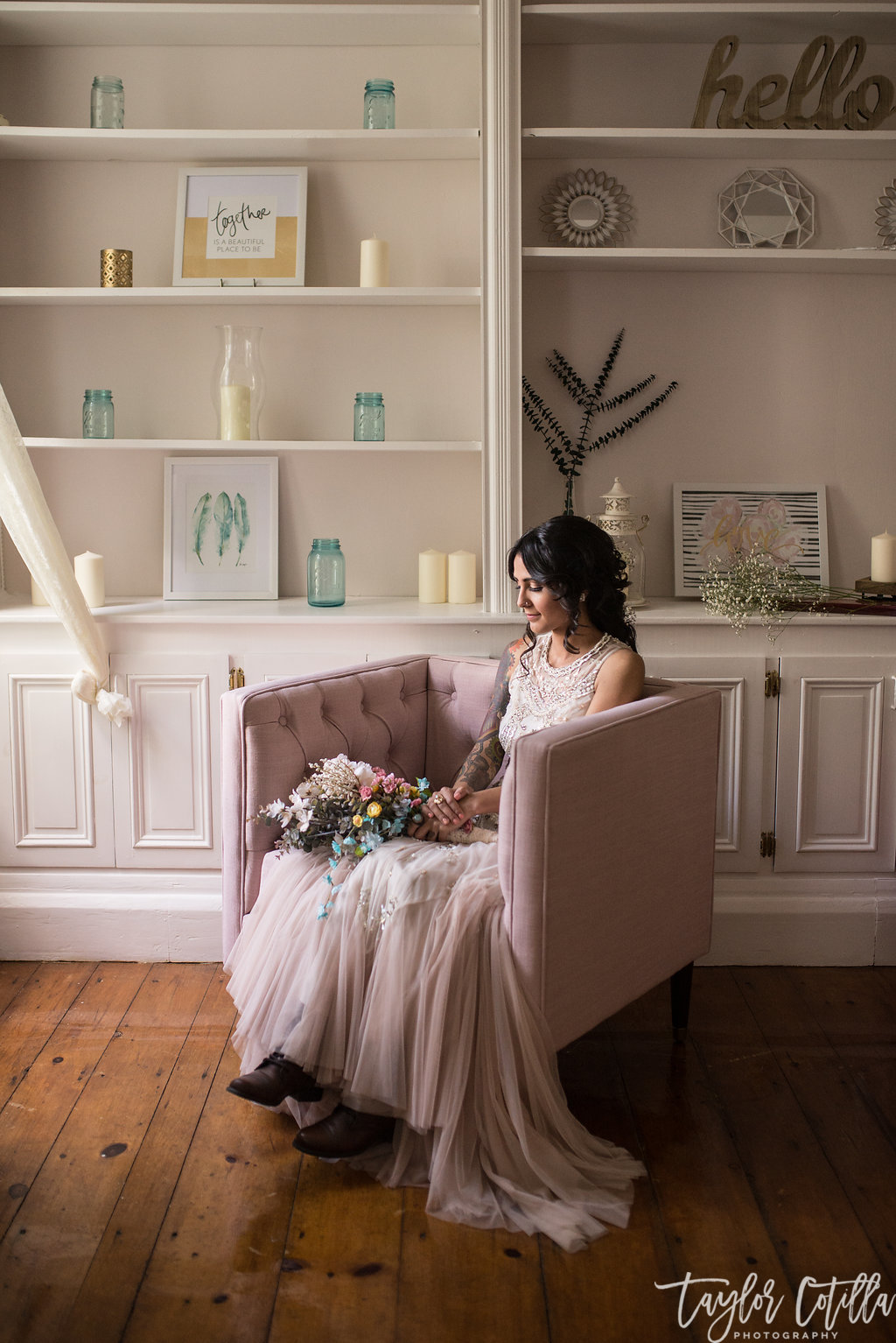 bride-waiting-pink-bookshelves-unionville-new-jersey-vineyard