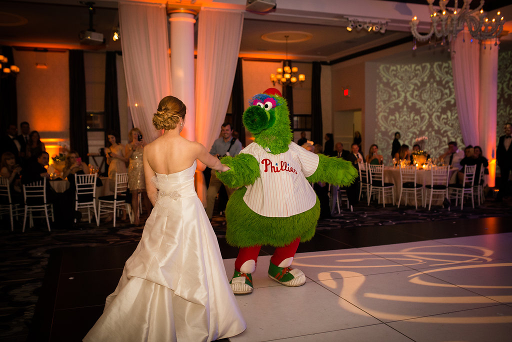 Philly-Phanatic-Come-To-Your-Wedding-VIE