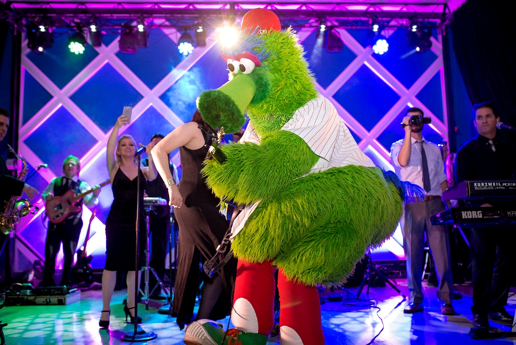 Philadelphia-Wedding-Philly-Phanatic-VIE