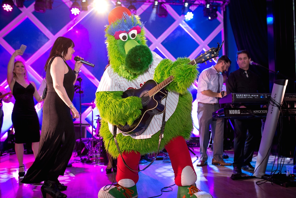 Philly-Phanatic-guitar-Wedding