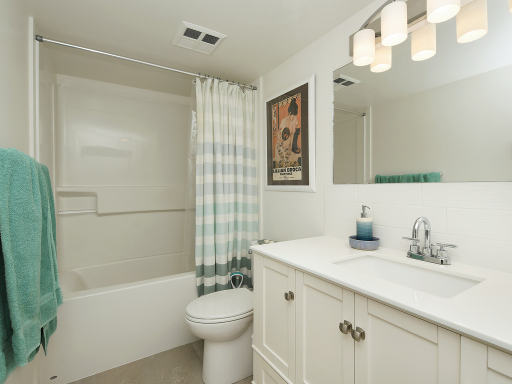 Renovated Bathroom Wark Street Condo