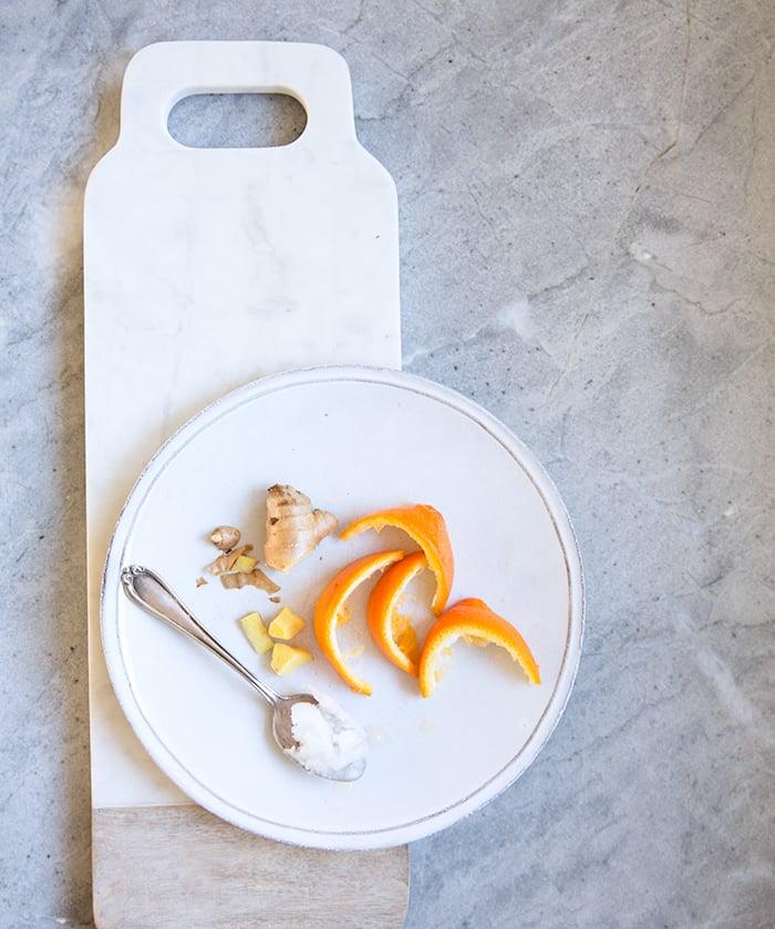 carrot + orange + turmeric (immune boosting!) smoothie | what's cooking good looking