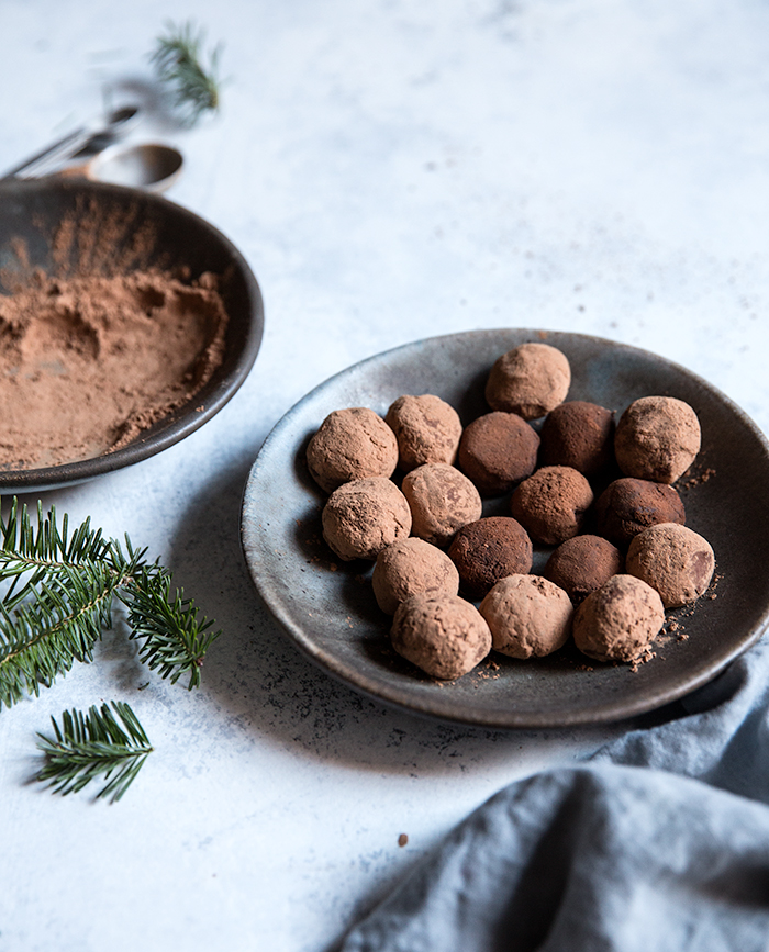 chipotle raspberry chocolate truffles   what's cooking good looking
