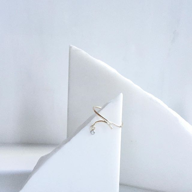 Delicate yet bold. The Arc ring in 14k gold with a 2pt white diamond. Excited to announce that it is now available @shopgoldyn along with a variety of jewelry from our collections. ⭐️ . . . #goldyn #tara4779 #arc #inspired #calder #minimal #finejewelry #madeinny #denver
