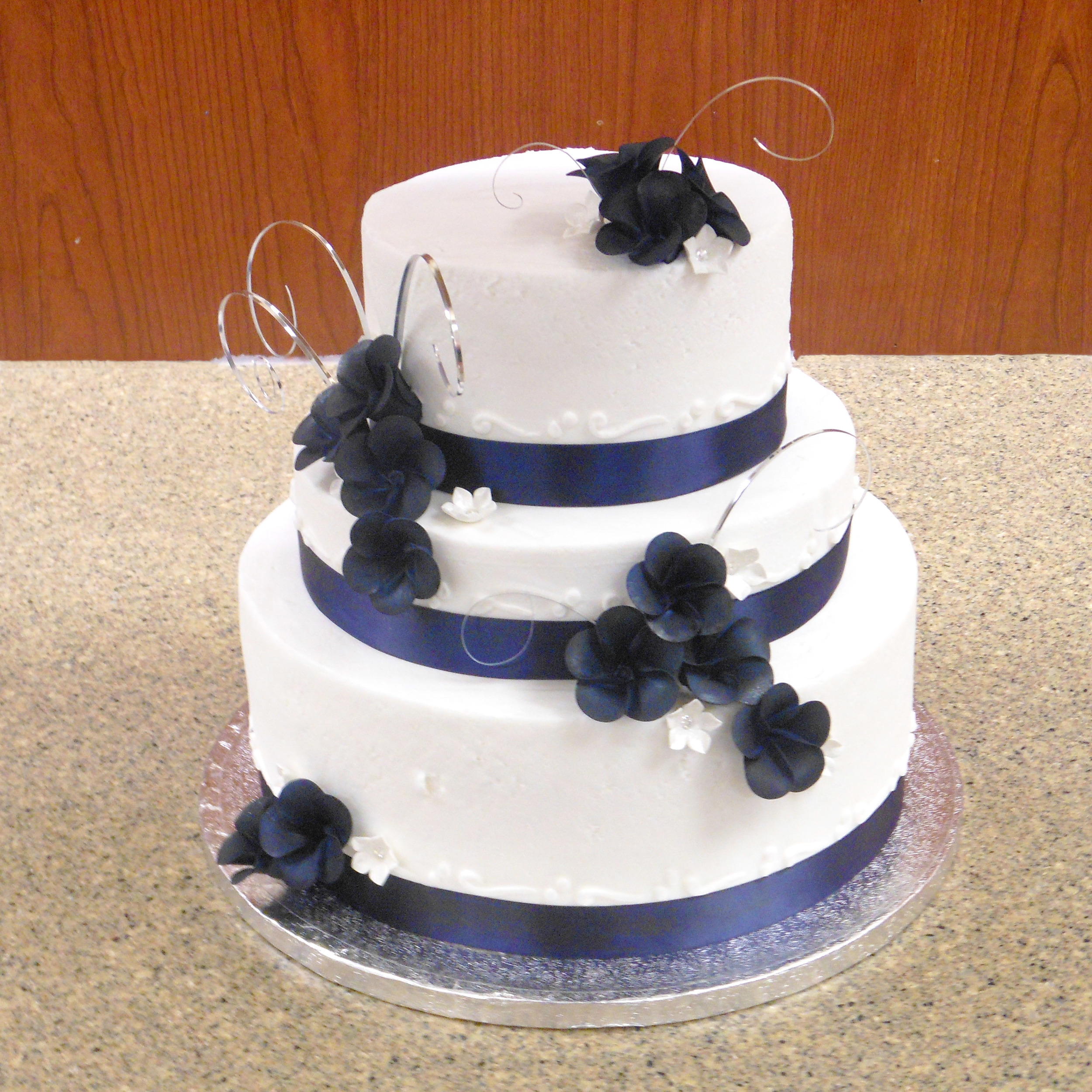 Wedding_cake_navyblue.jpg