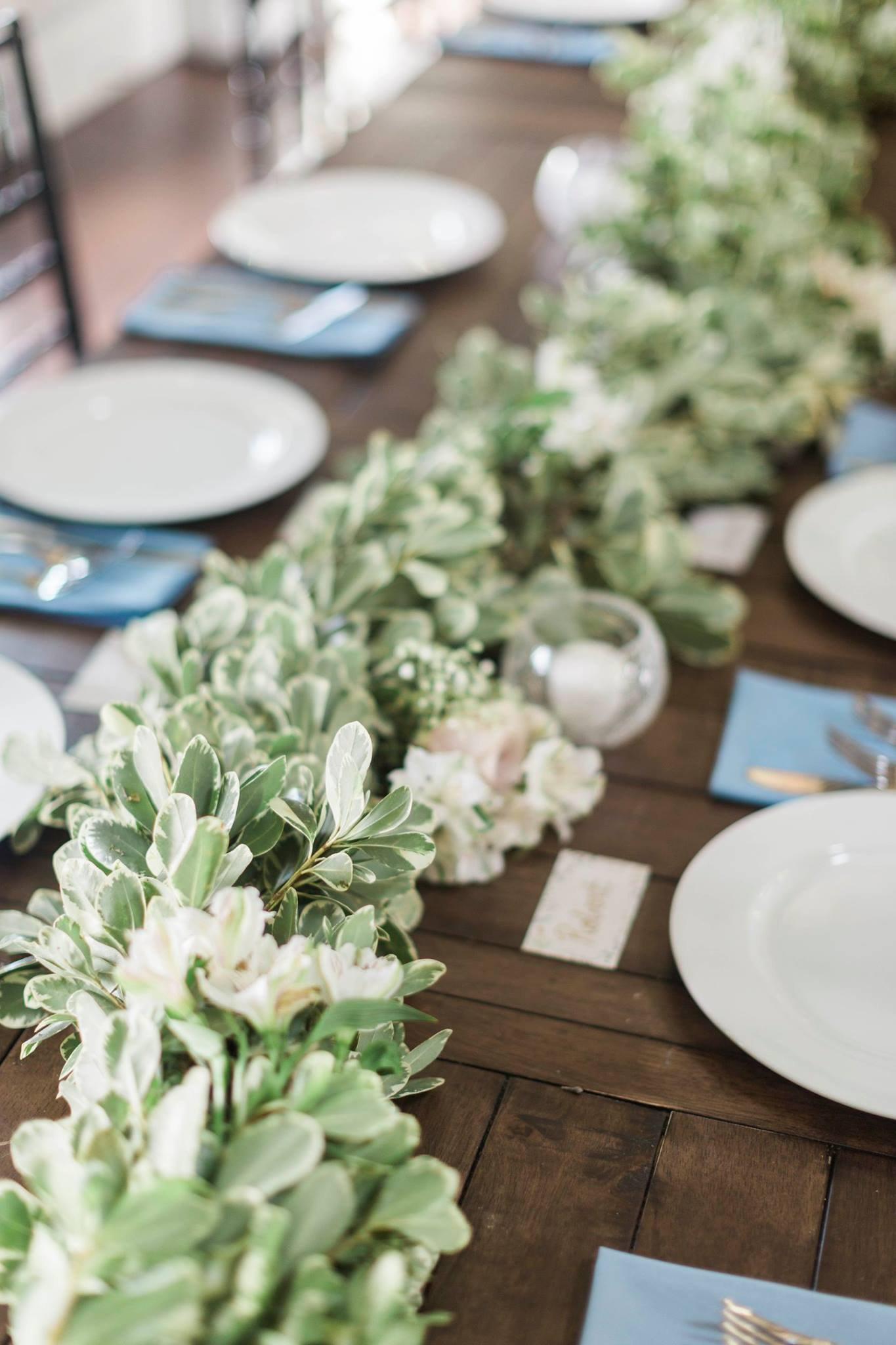 Foxhall Resort ,  Stables- Barn Table   Will Carson Photography