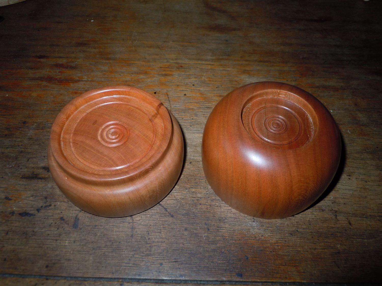 Bottom of cherry bowls