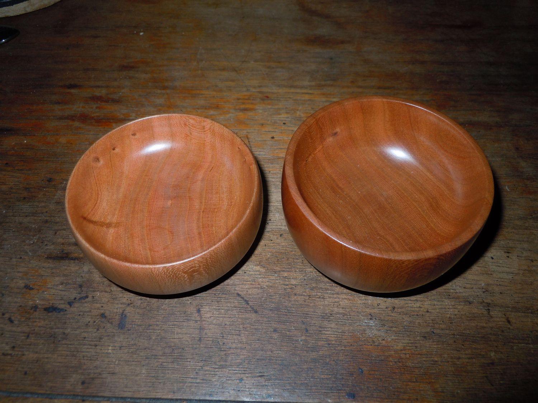 2 small cherry bowls.
