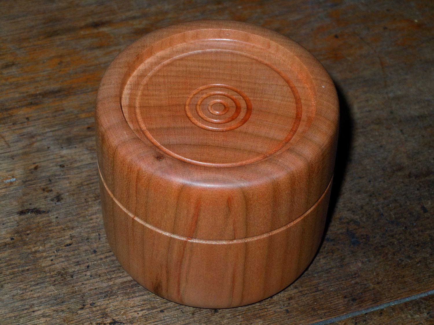 "3"" Friction lid, one piece, cherry container."